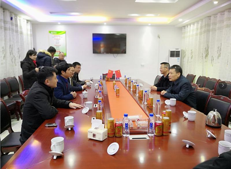 省纪委书记孙新阳1月21日上午冒着严寒来到江西英才食品走访慰问